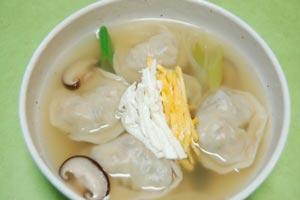 マンドゥクク(餃子スープ)
